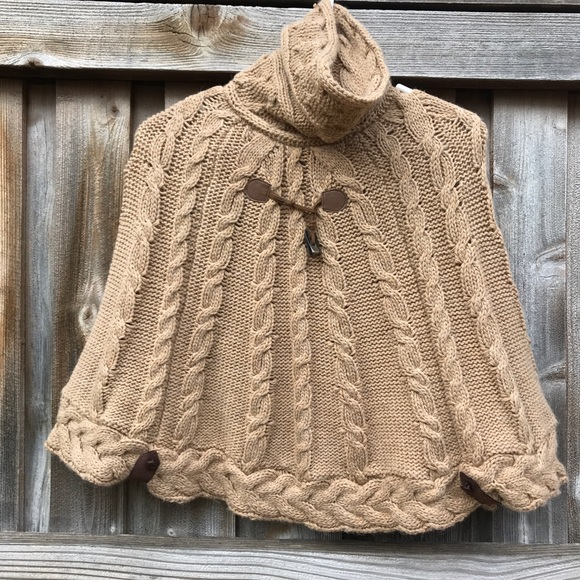 6de5f354a Mayoral cable knit girls poncho sweater cape. M 5aac0b0c3afbbdebf2c02d1a